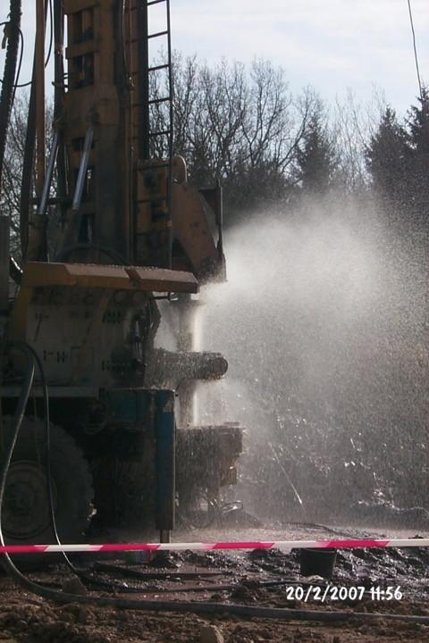 Forage d'eau réussi – débit environ 5 m³/h