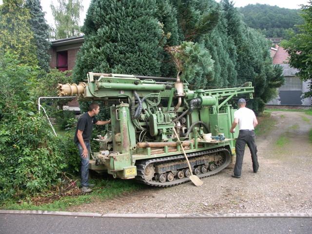 Installation d'une machine pour des sondages environnementaux dans la roche dure